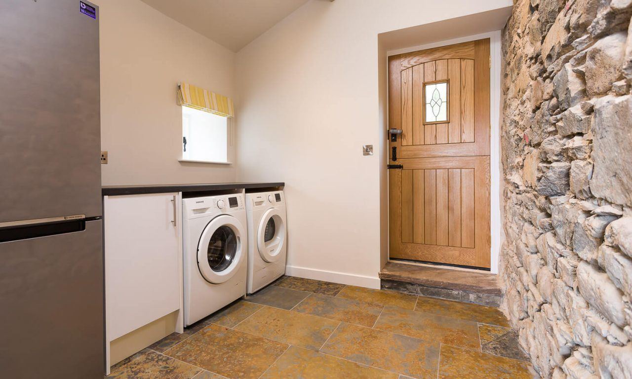 Lacet Cottage, Ullswater pet friendly holiday cottage in the Lake District - Utility Room